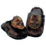 Des chaussons en fourrure de Wookie – Chewbacca